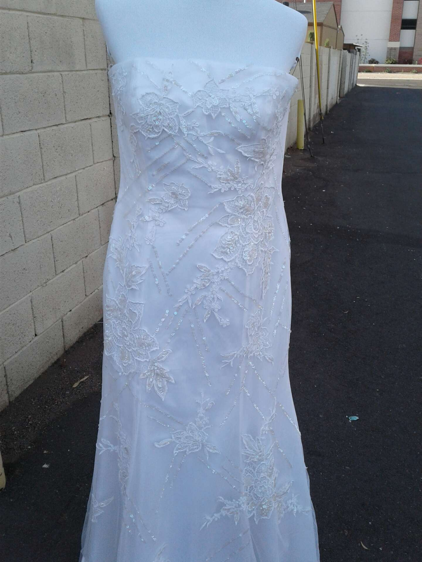 Photo Wedding Gown size XL used