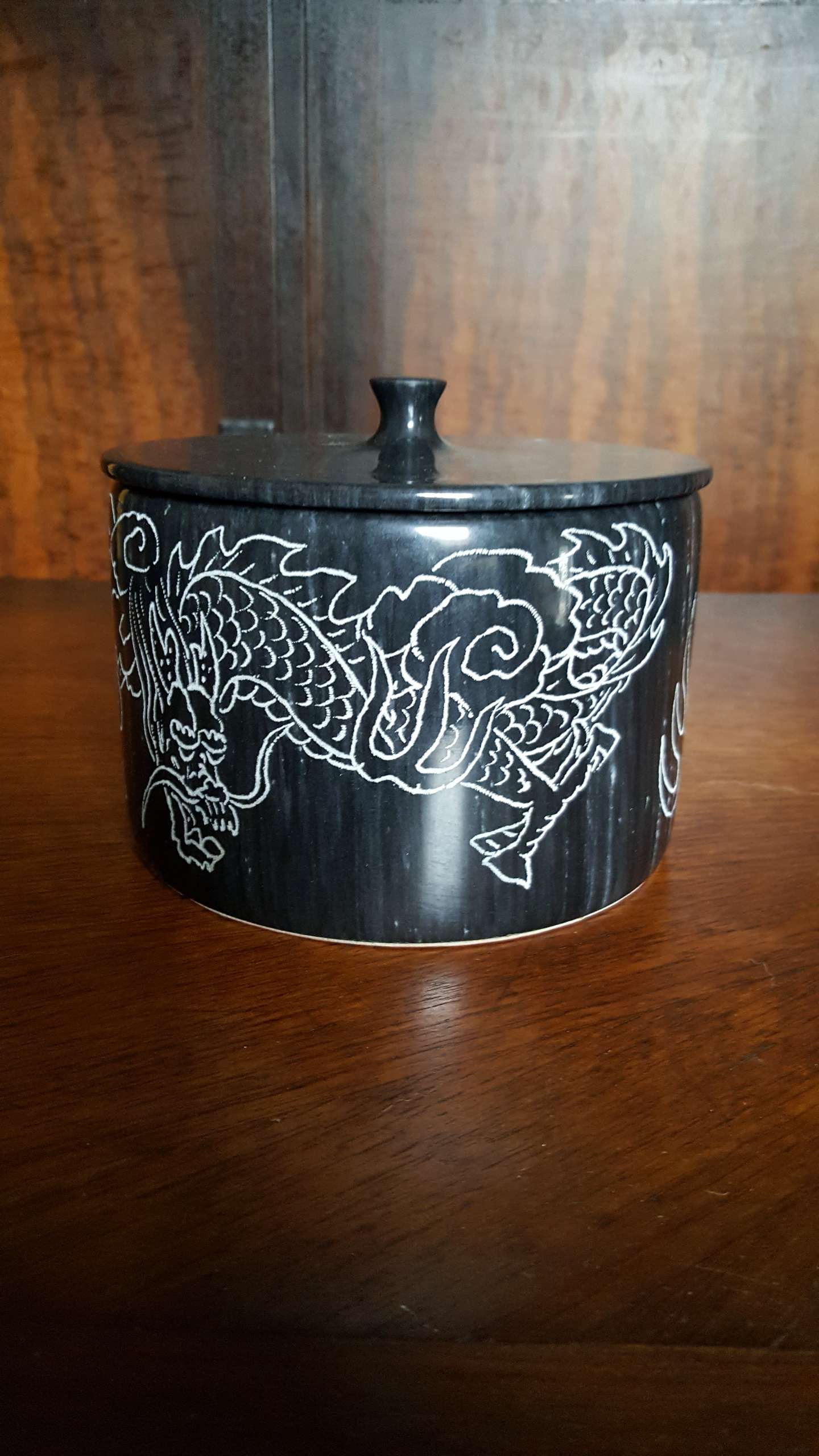 Photo Vintage 1960's Black Marble Candy Dish/Cookie Jar from Taiwan