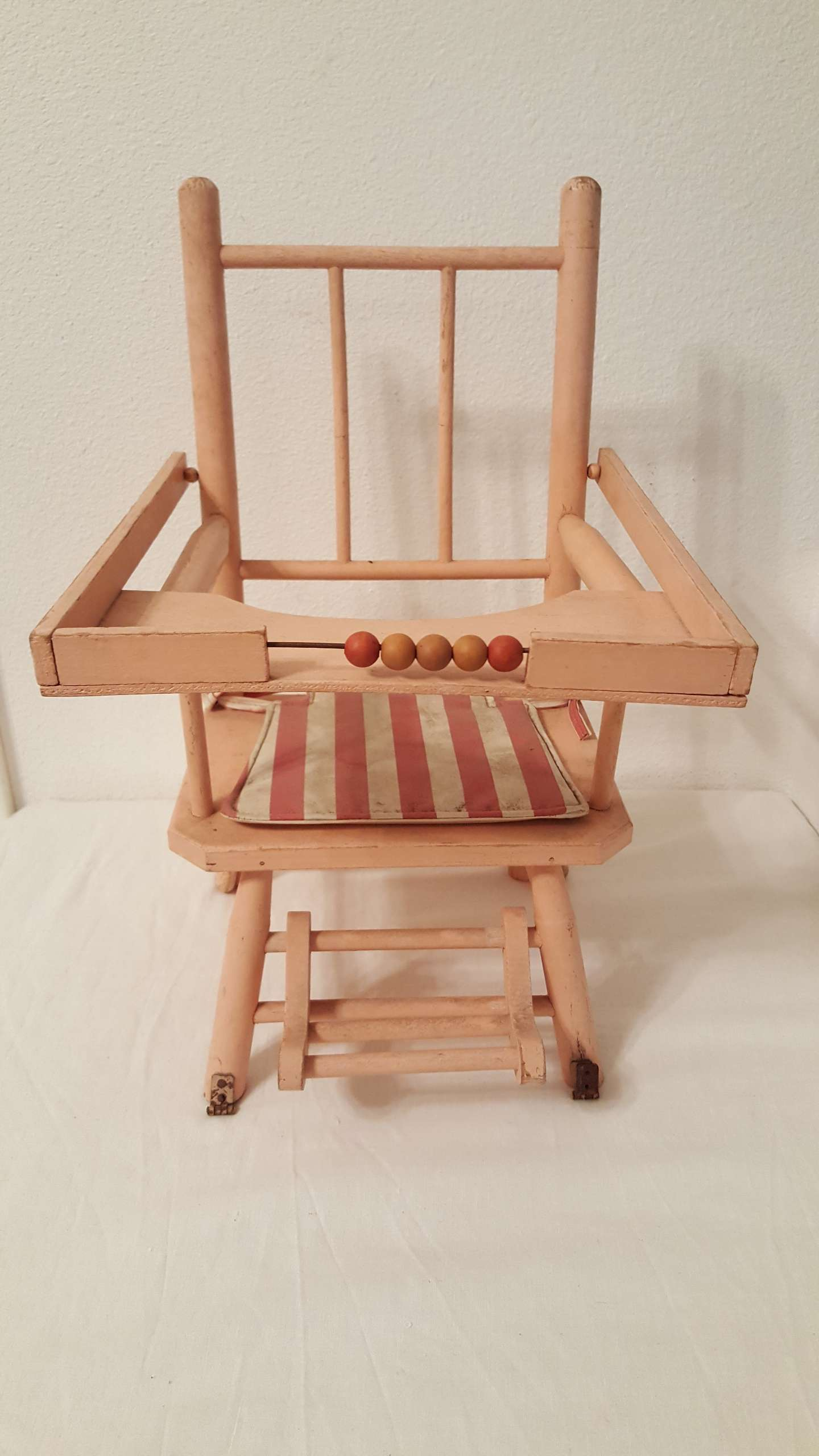 Photo Antique Baby Doll High Chair