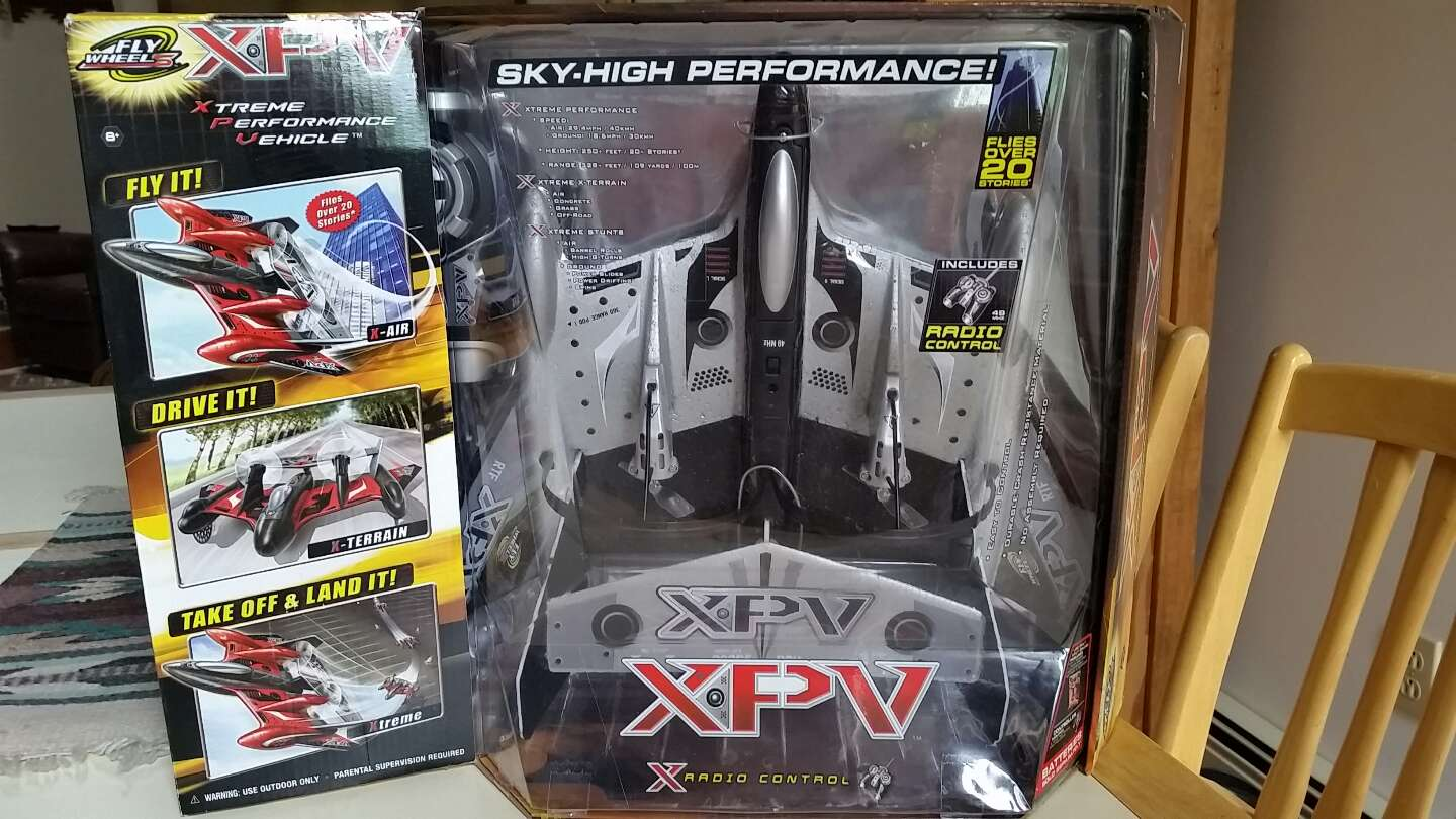 Photo NIB. JAKKS PACIFIC XPV FLY WHEELS XTREME PERFORMANCE RC PLANE. PICK UP MIDDLEBORO ONLY. SERIOUS INQUIRIES ONLY THANK YOU