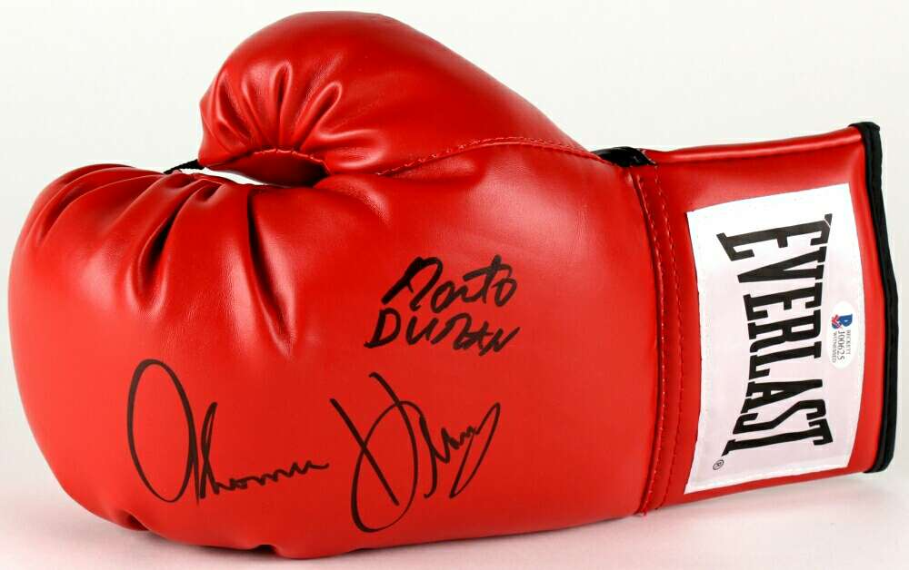 Photo DURAN - HEARNS autographed boxing glove & photos