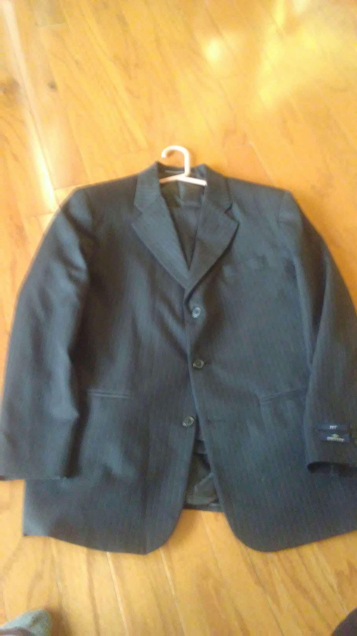 Photo Black suit 18 husky