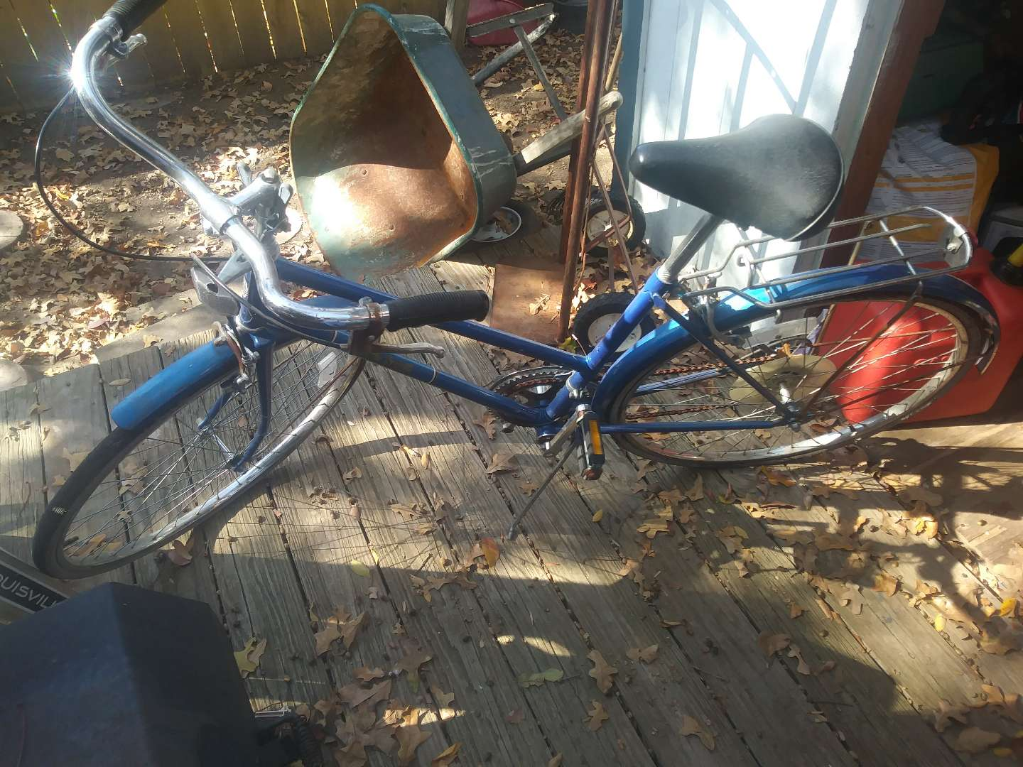 Photo Dutch bicycle is made back in the 80s good 10-speed for anyone who wants to do a little work on it. Get it while you can it won't last long.