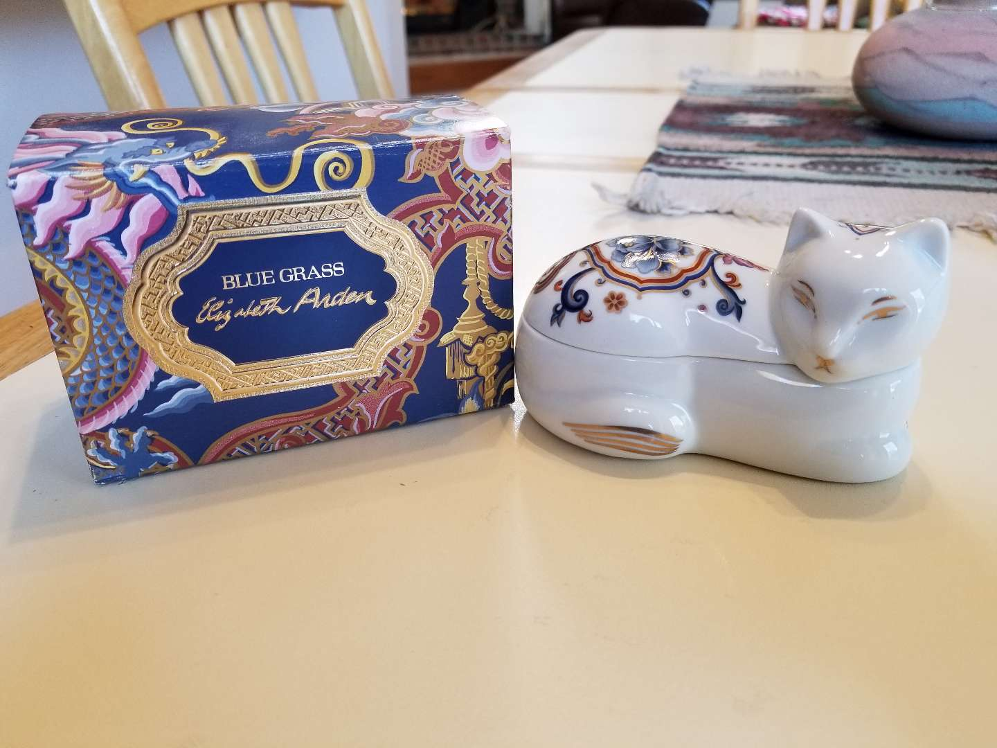 Photo NEVER USED VINTAGE 1980S ELIZABETH ARDEN CHINOISERIE COLLECTION CAT TRINKET CANDLE BLUE GRASS. PICK UP MIDDLEBORO ONLY