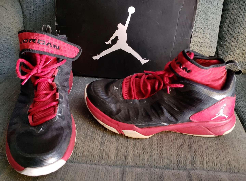 Photo Black and red air Jordan