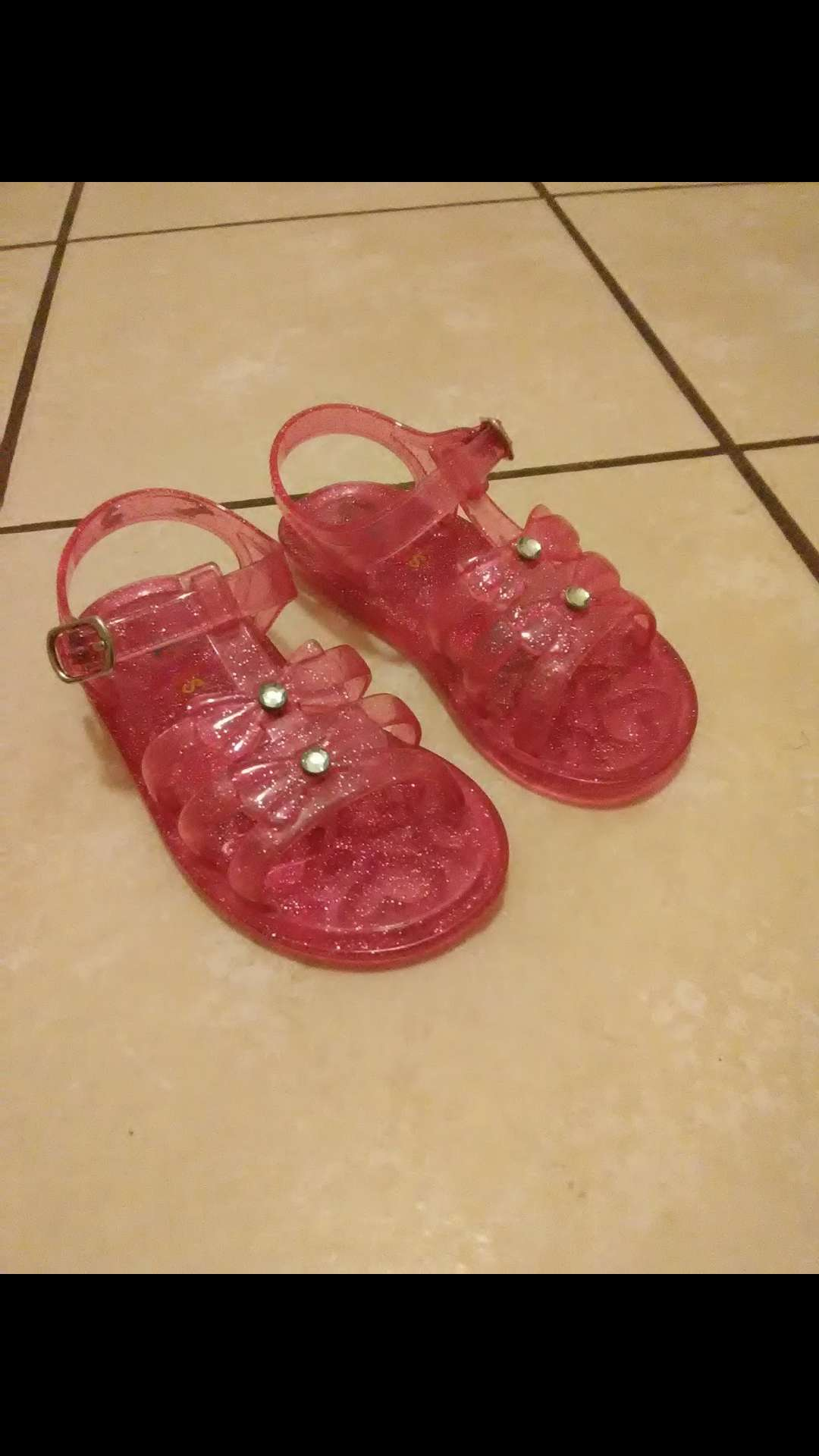 Photo Toddler girl sandals size 9