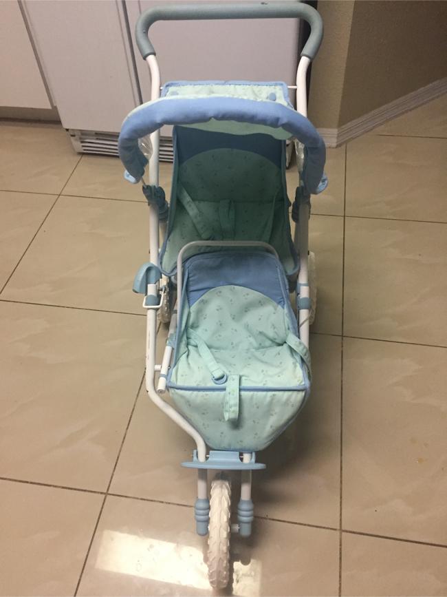 Photo American Girl Bitty Baby double stroller