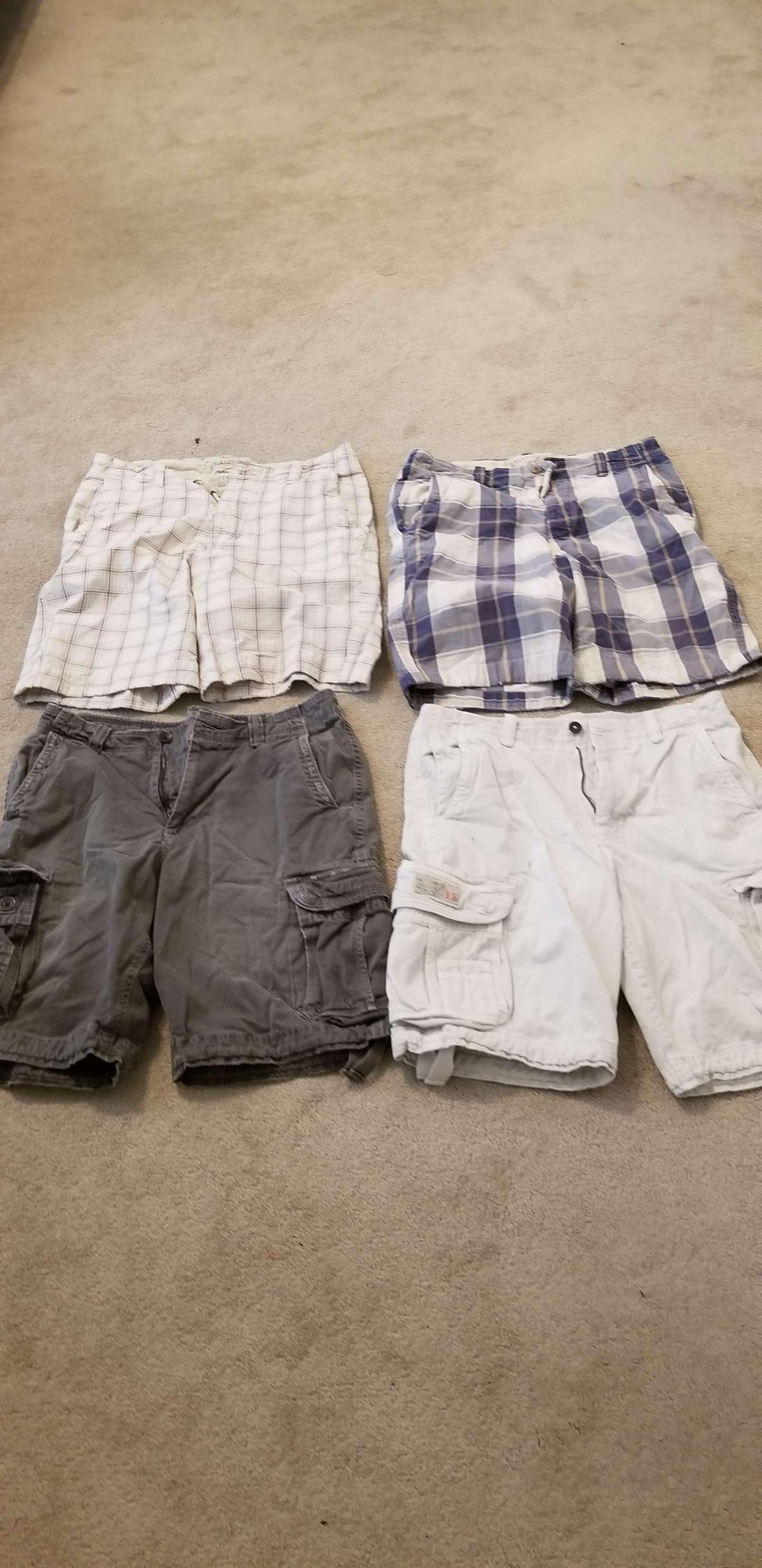 Photo Hollister & American Eagle mens size 34 shorts