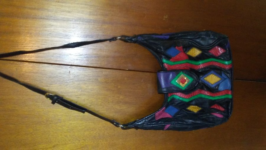 Photo GENTLY USED VINTAGE COLORFUL PATCHWORK WOMEN'S PURSE