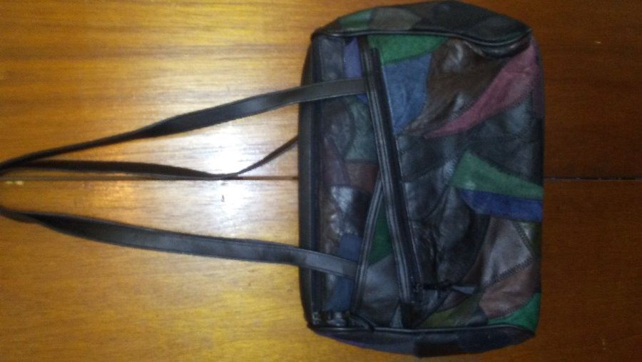 Photo GENTLY USED VINTAGE PATCHWORK WOMEN'S PURSE