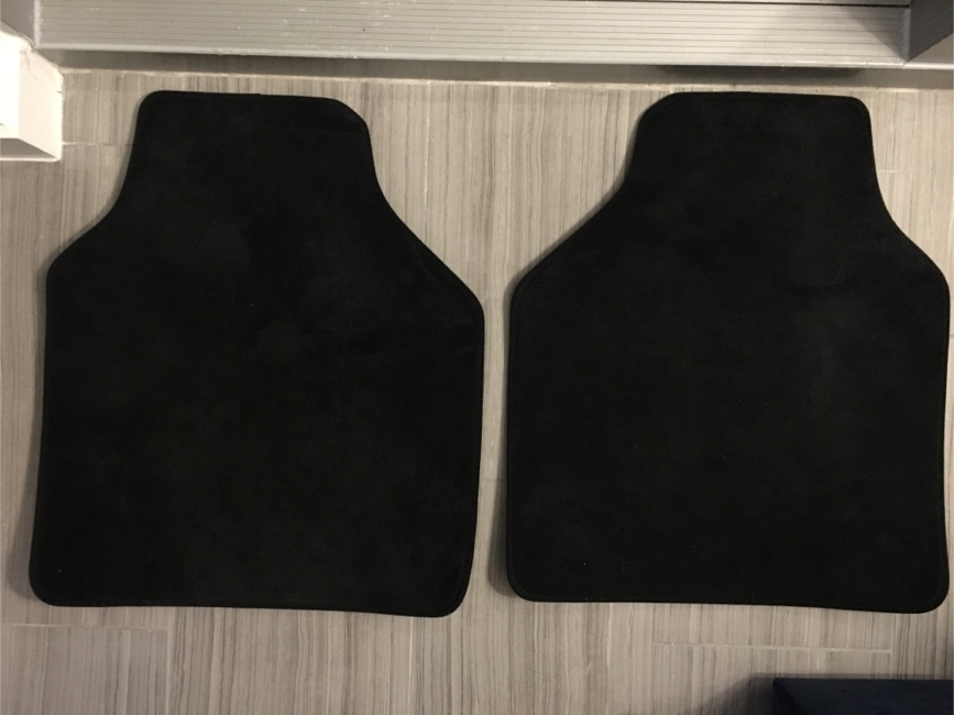 Photo OEM BMW front & rear floor mats