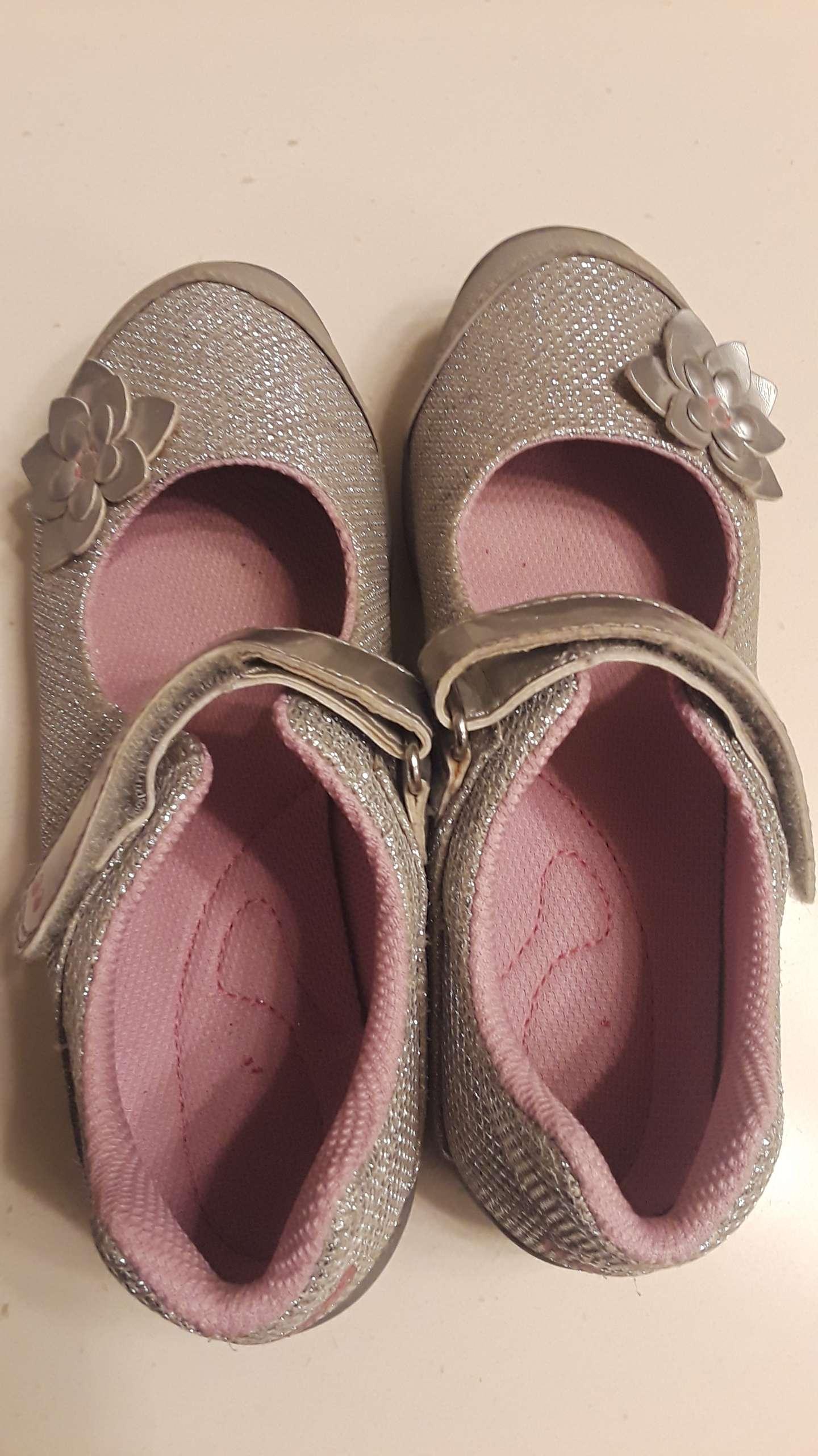 Photo Girls silver Glittery dress Shoes Size 12