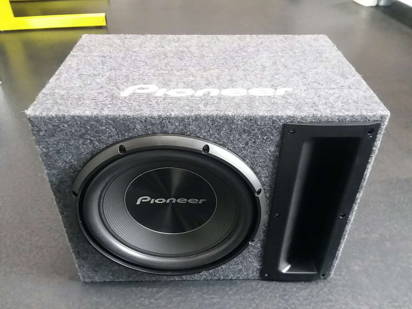 Photo NEW!! Pioneer 12in subwoofer 1500 watts