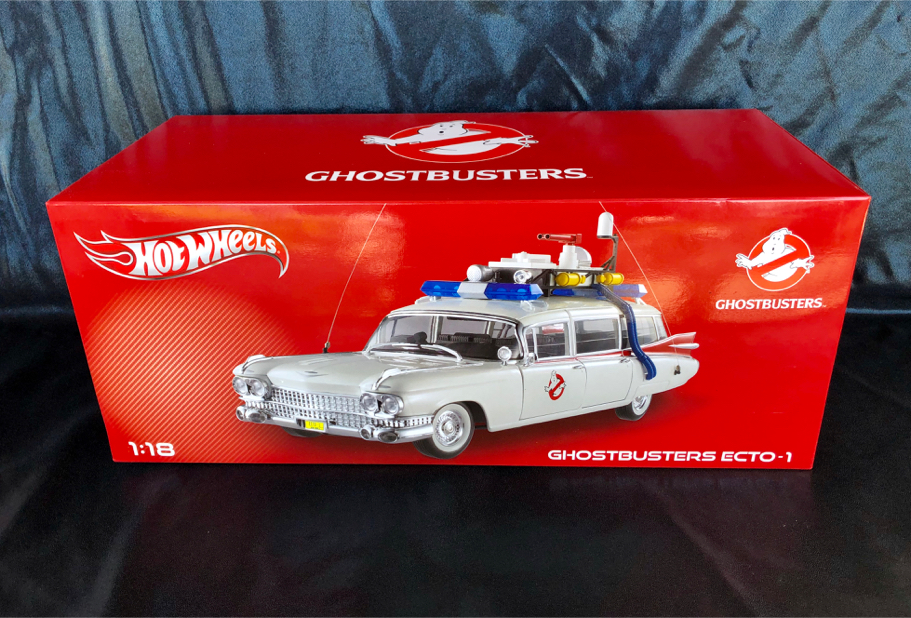 Photo Hot Wheels 1:18 Scale Ghostbusters ECTO-1