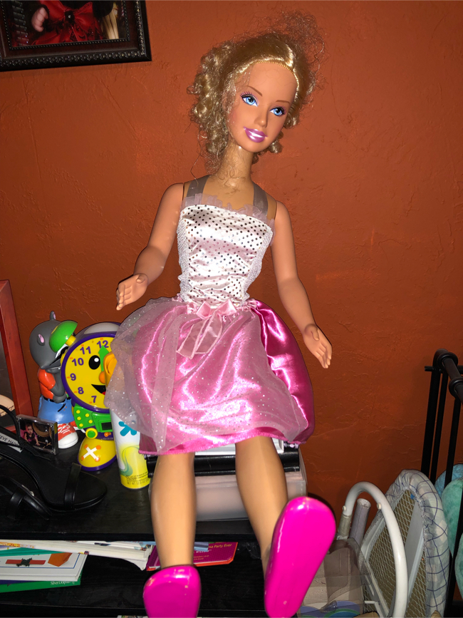 Photo Toddler life size Barbie