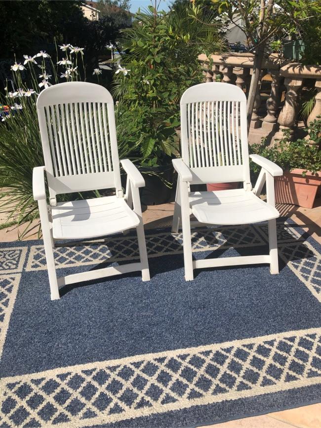 Photo Grosfillex Vintage adjustable patio chair set