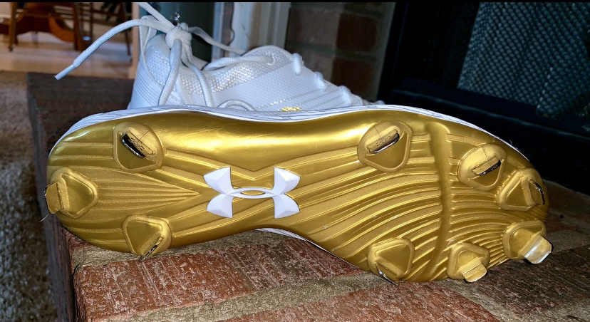 Photo UNDER ARMOUR Baseball Cleats size 10.5