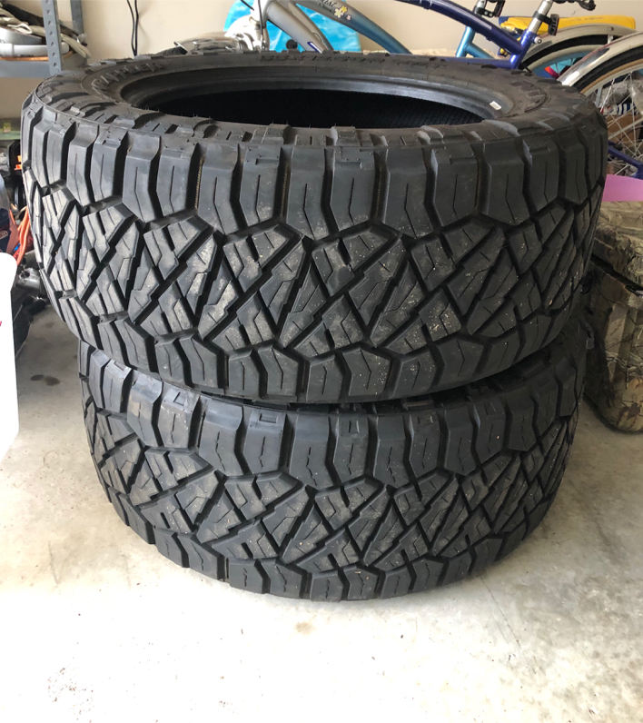 Photo Looking for nitto tires