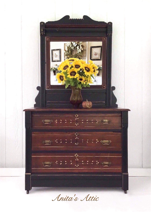 Photo Antique Eastlake Dresser and Mirror