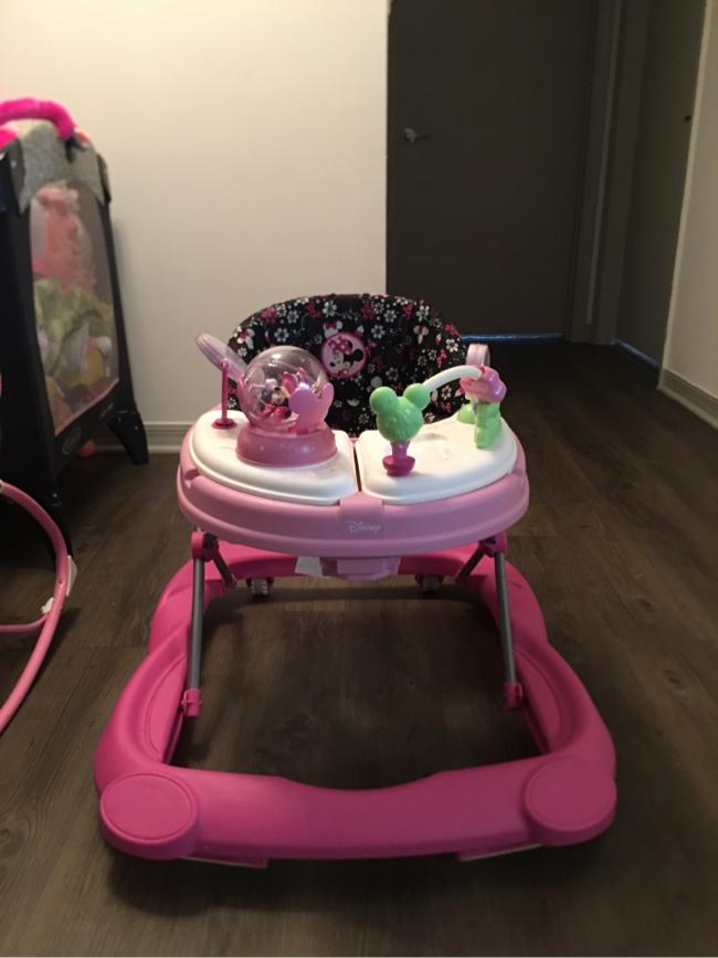 Photo Disney baby Minnie Mouse walker