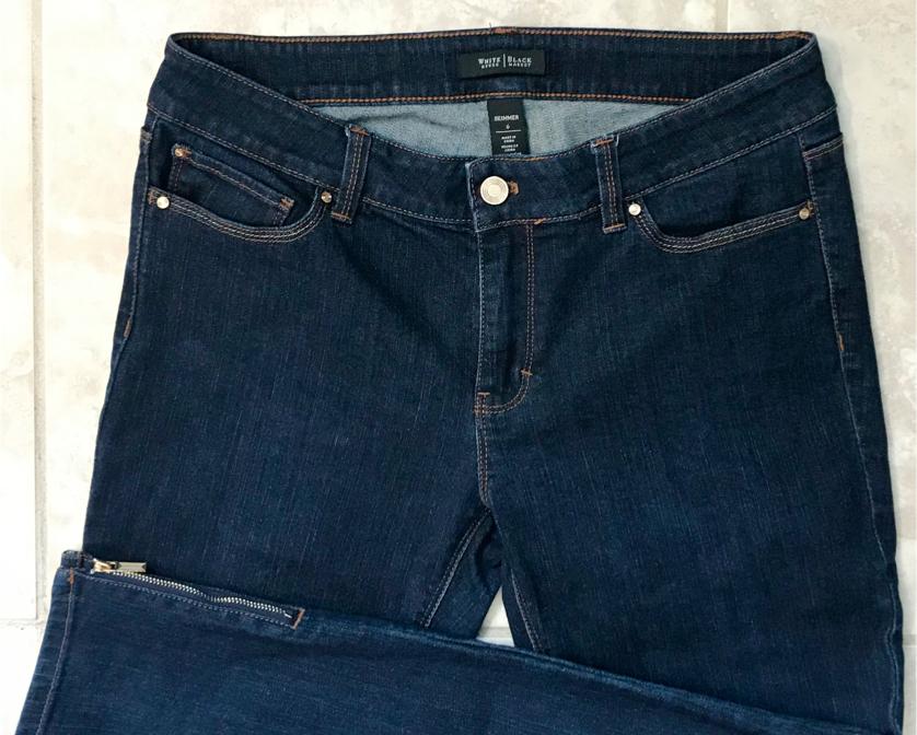 Photo White House Black Market Skimmer Jeans/Capris in size 6