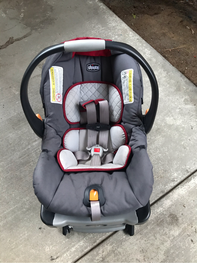 Photo Chicco KeyFit30 Car Seat (no base) - Excellent Condition