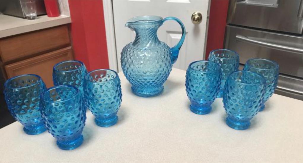 Photo Vintage Fenton/Tiara Indiana Glass Blue Hobnail Pitcher & 8 Glasses