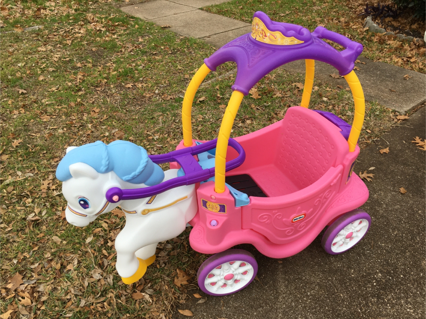 Photo Little Tikes Princess Horse and Carriage wagon