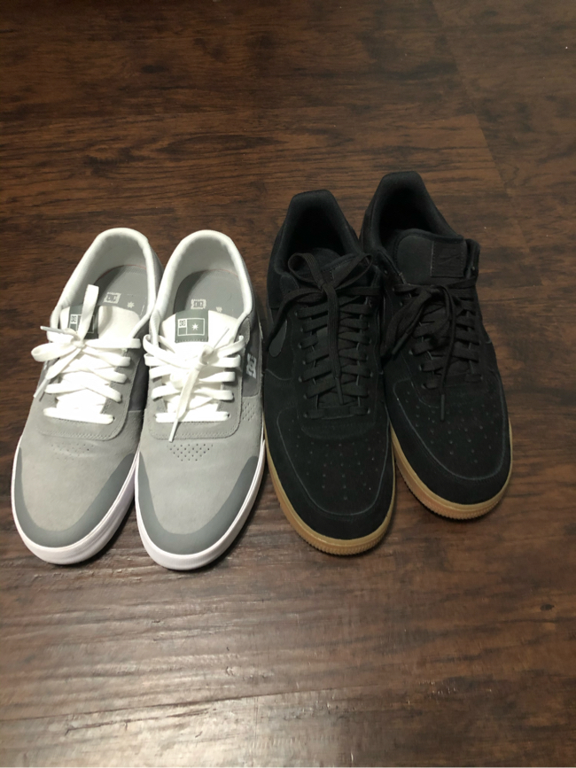Photo Nike air forces and dc shoes size 13