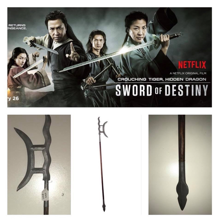 Photo MOVIE PROP Crouching Tiger, Hidden Dragon: Sword Of Destiny SCREEN USED Moon Axe Spear 6ft+