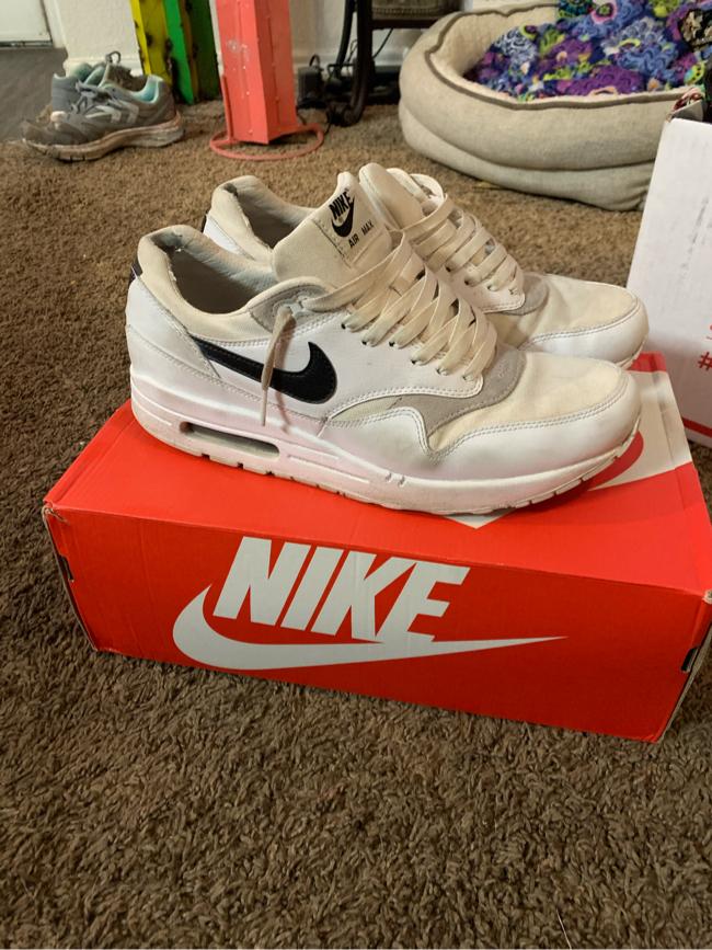 Photo Rare Nike air max1 PRM Size 10 this is a very rare shoe
