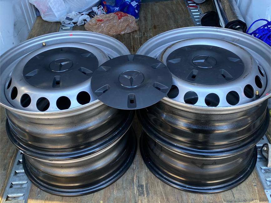 Photo 16 inch wheels for Mercedes sprinter van