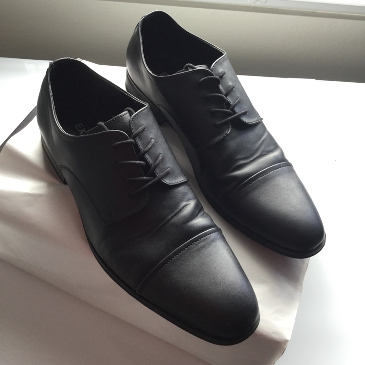 Photo MENS ALL BLACK LEATHER EXPRESS DRESS SHOES SIZE 12