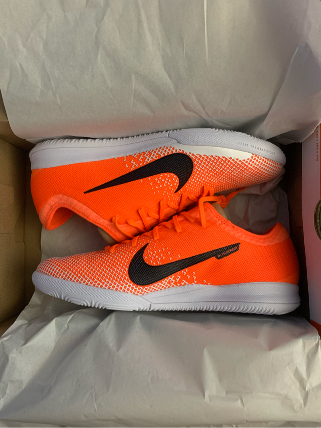 Photo Nike Soccer Indoor Shoes Size.9 New!