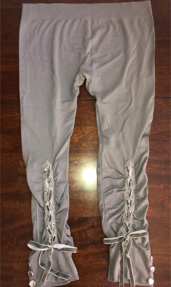 Photo Women's Medium Grey Lace up w/ Rhinestones Seamless Leggings 28 Inch Stretchy Waist