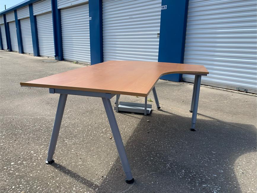 Photo IKEA galant desk