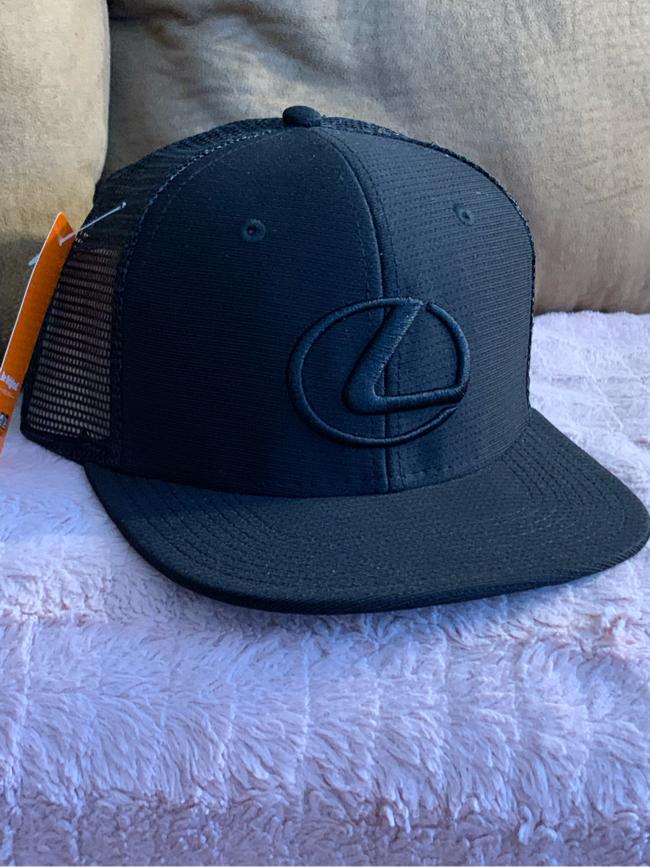 Photo Lexus Black Cap NWT