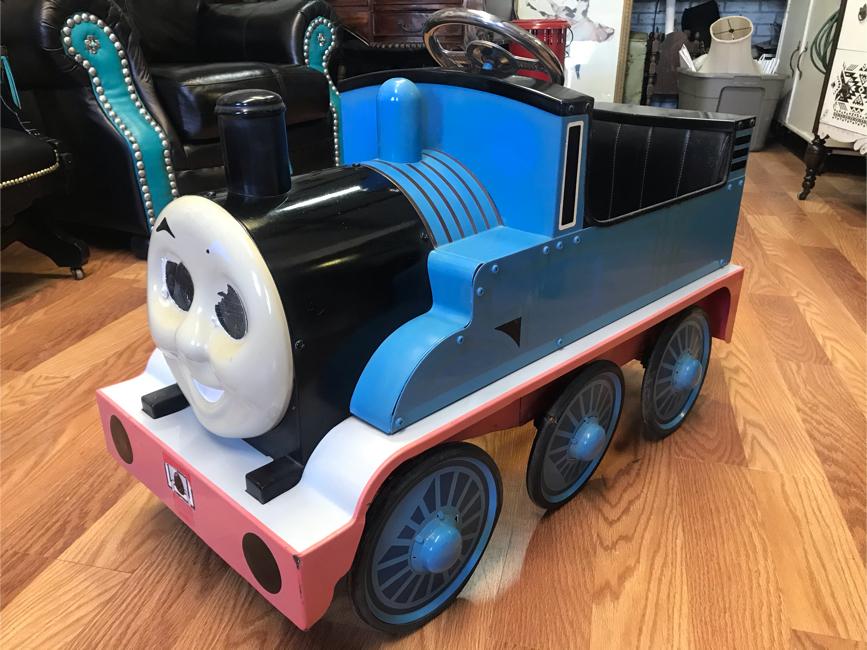 Photo Thomas the Train Pedal Car