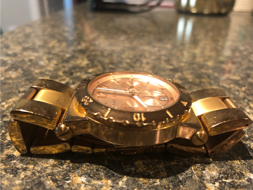 Photo Michael Kors rose gold women's watch