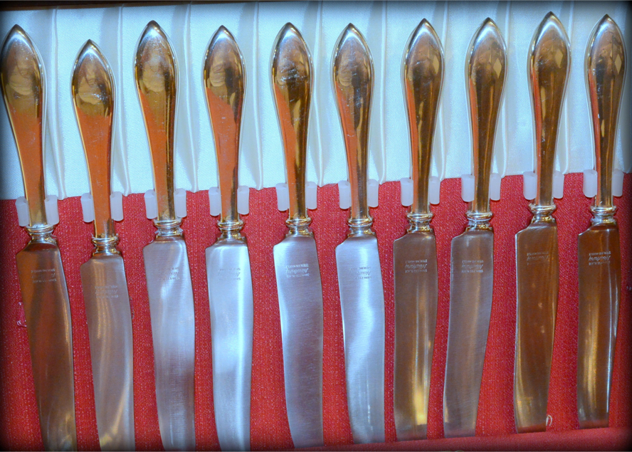Photo Vintage Old Newbury Crafters (ONC), Old Newbury Pattern (Pat.1800), Hand Wrought, Hand Finished 10 Place Service of Sterling Silver Flatware