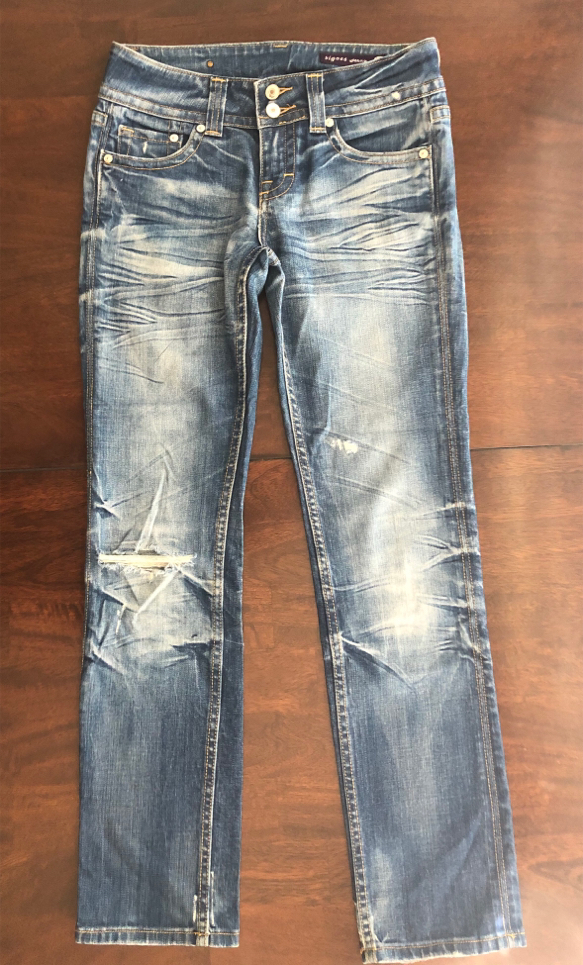 Photo Women's Size 5 Vigoss Distressed Ripped Blue Jeans Stretchy Pants 30 inch Waist