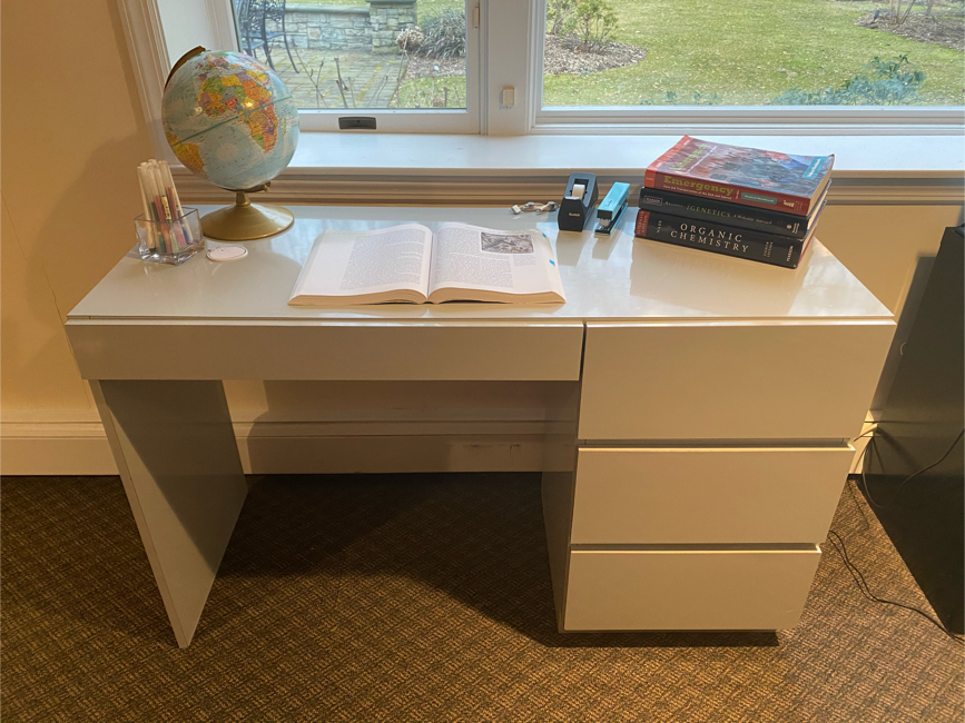 Photo Gray Desk with 4 Drawers
