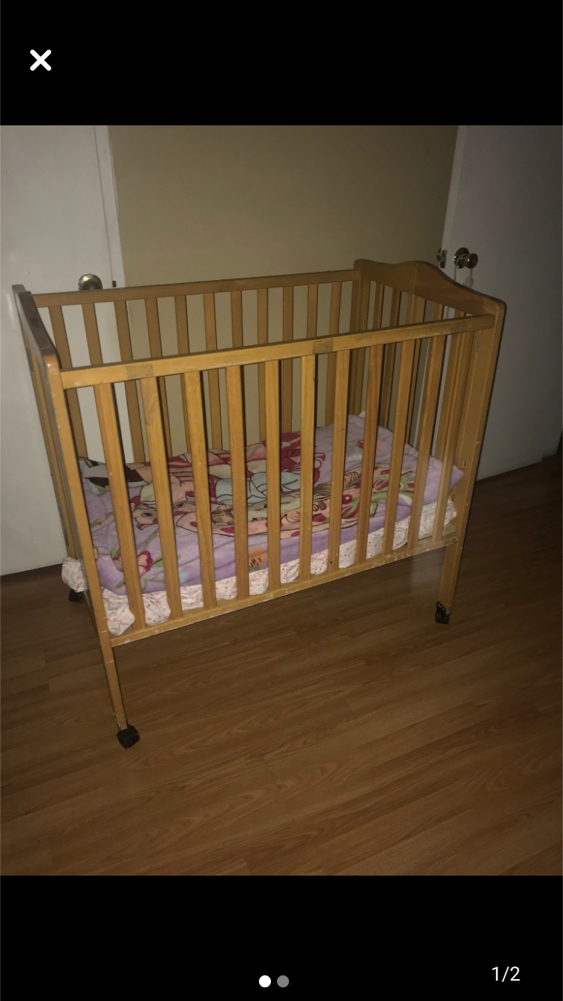 Photo Baby crib with wheels No mattress