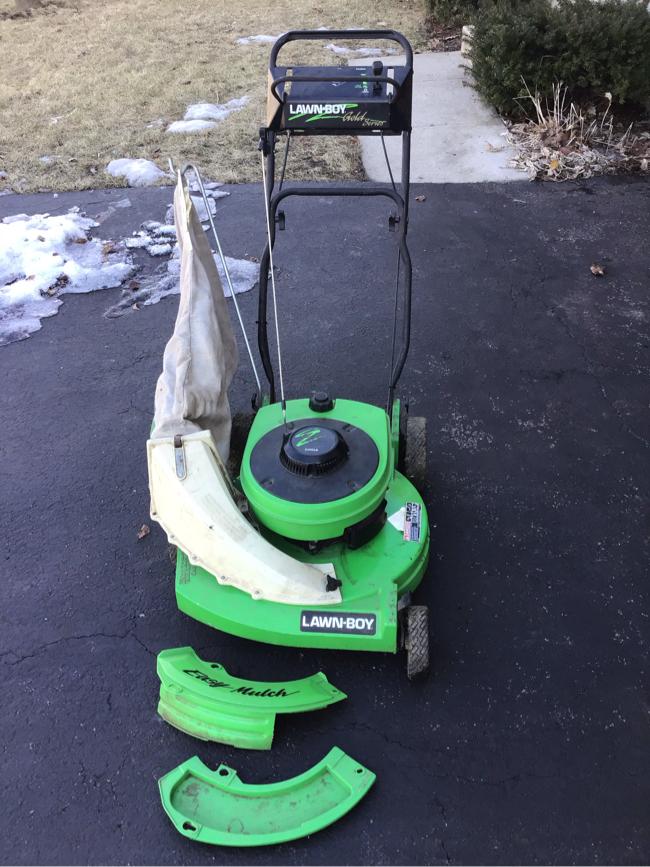 Photo Lawn boy lawn mower