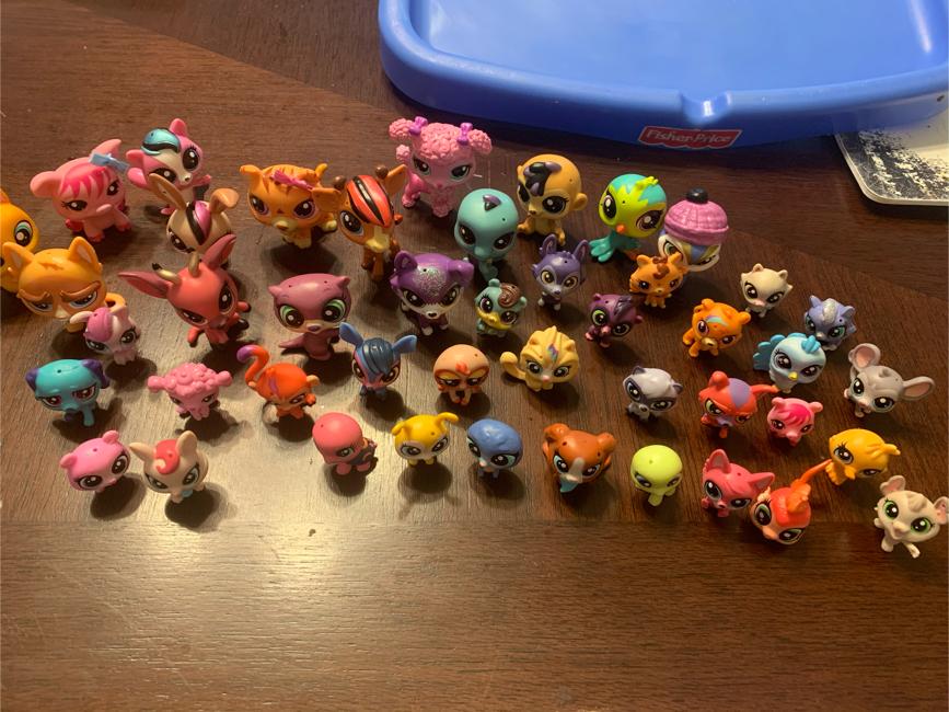 Photo 45 littlest pet shop characters