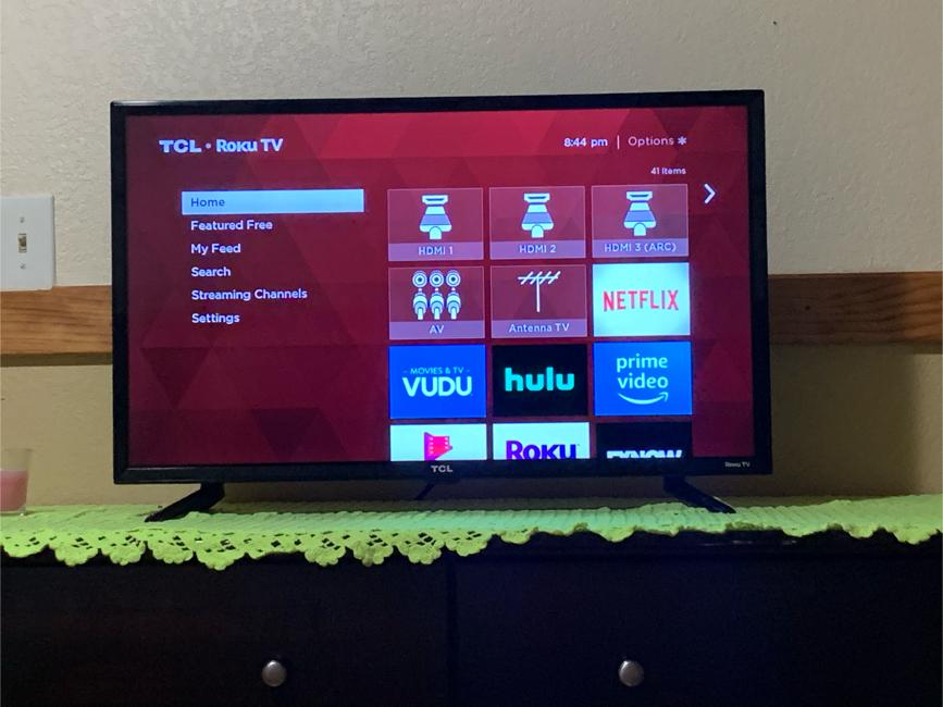 Photo 32 inch smart tv