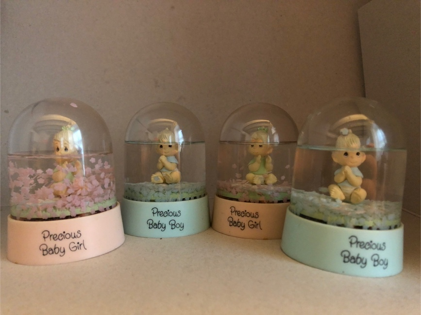 Photo 4 Vintage antique precious baby boy and baby girl water globes.