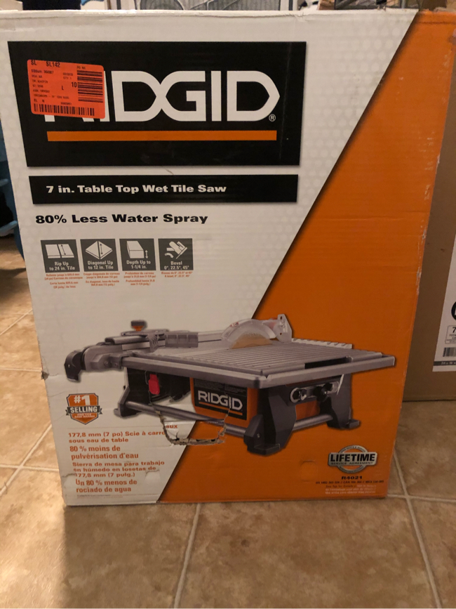 Photo RIDGID 6.5 Amp Corded 7 in. Table Top Wet Tile Saw