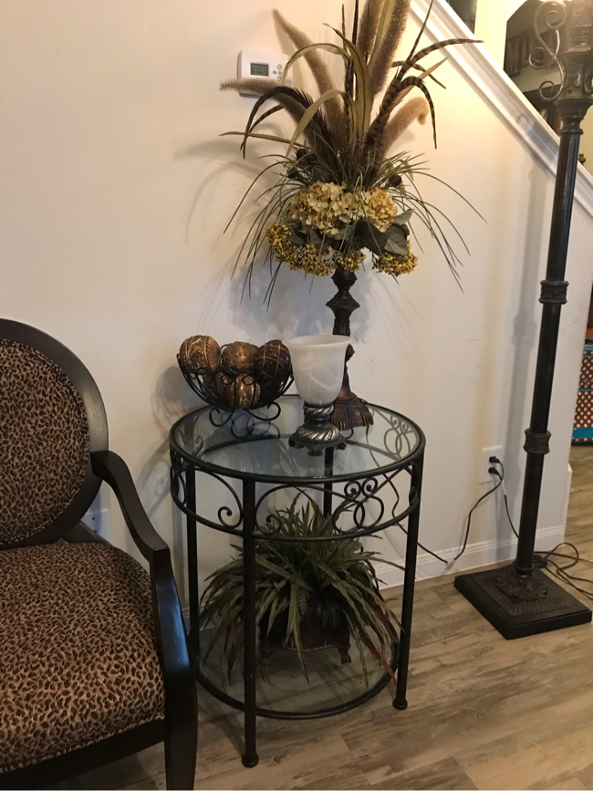 Photo Pier 1 Accent Table