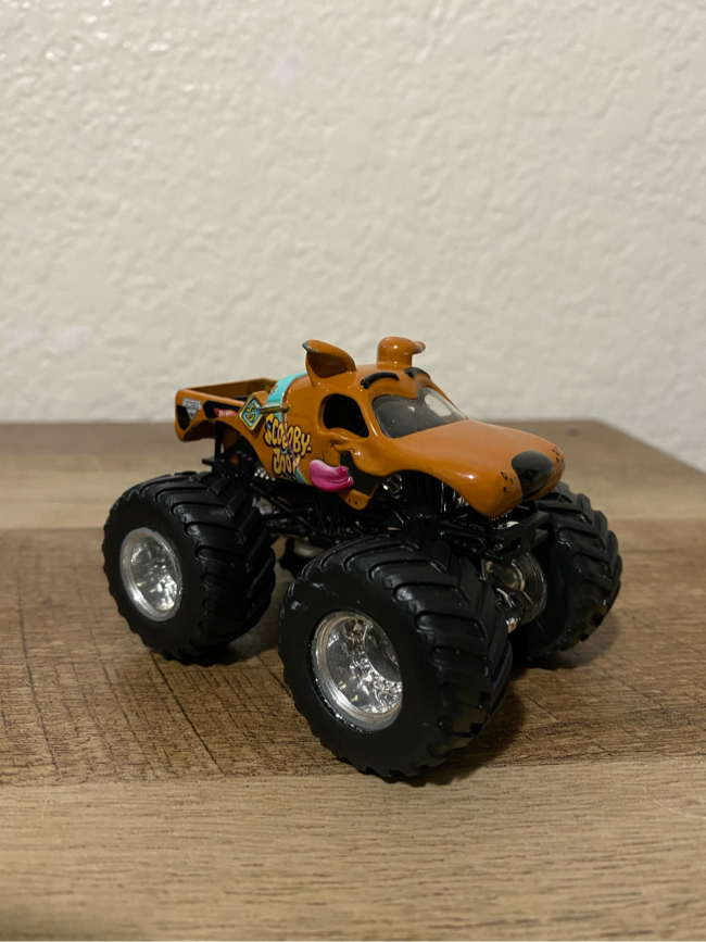 Photo Hotwheels Monster Jam Scooby Doo Monster Truck (1:64 Scale) *Hard To Find*